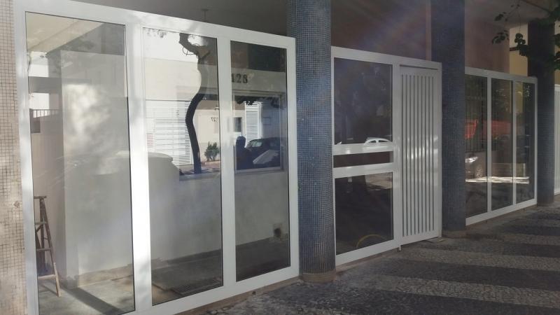 Portão de Alumínio com Vidro Jardim América - Portão de Alumínio com Motor