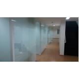 divisória de vidro jateado